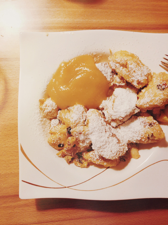 "Do you know ""Kaiserschmarrn""? It's a typical Austrian dish ..."